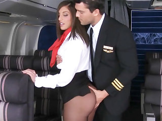 Pilot seduced stewardess to charge from in airplane