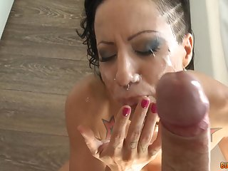facial and cum in mouth are things that Amber Jade adores to sky