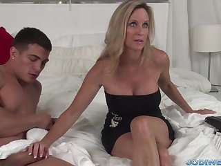 Provocative Taut Mommy Smooches Her Nether Trainer With Humungous Man Sausage