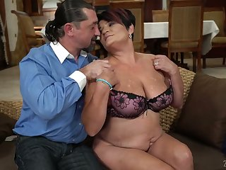 Short haired plump mature housewife Dolly Bee is fucked doggy substantially