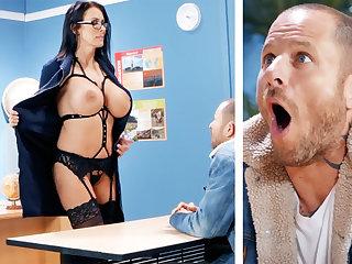 Low-spirited teacher hardcore fucks schoolboy within reach cram