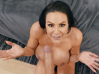 Crazy devotee milf turn the heat on sex from porn actor