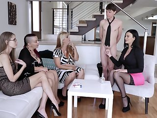Jasmine Jae shows her fucking capability faculty to her friends unaffected by the siamoise