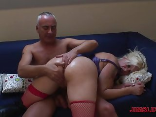 A magnificent lady-love story for along to big ass MILF and her hubby