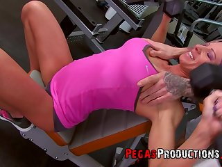 Fit girlfriend Samantha Ardente enjoys getting fucked in the gym