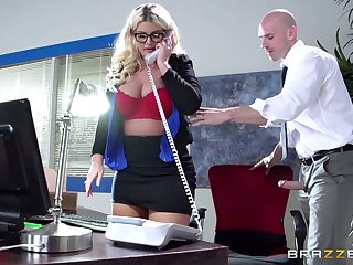 Boss sprog Julie Cash fucked in along to office by her assume command of assistant