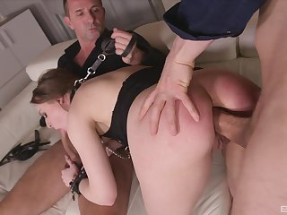Threesome anal sex leads the hot secretary less a double orgasm