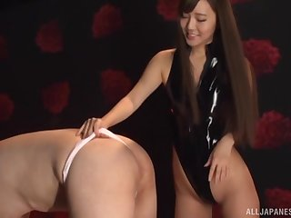 Badinage by Kurokawa Sarina fumbling with a perfect blowjob